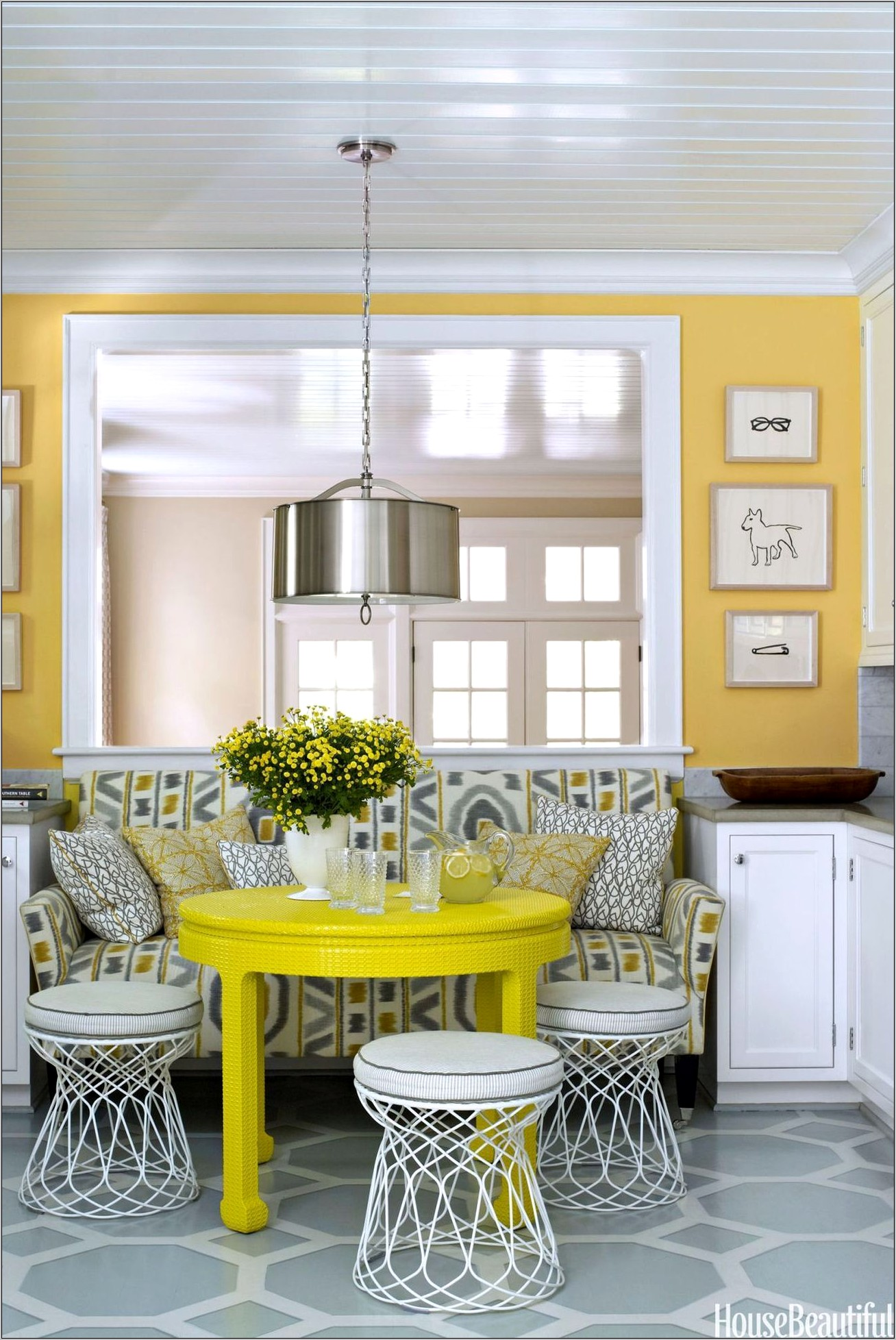 Kitchen Decor With Yellow Walls
