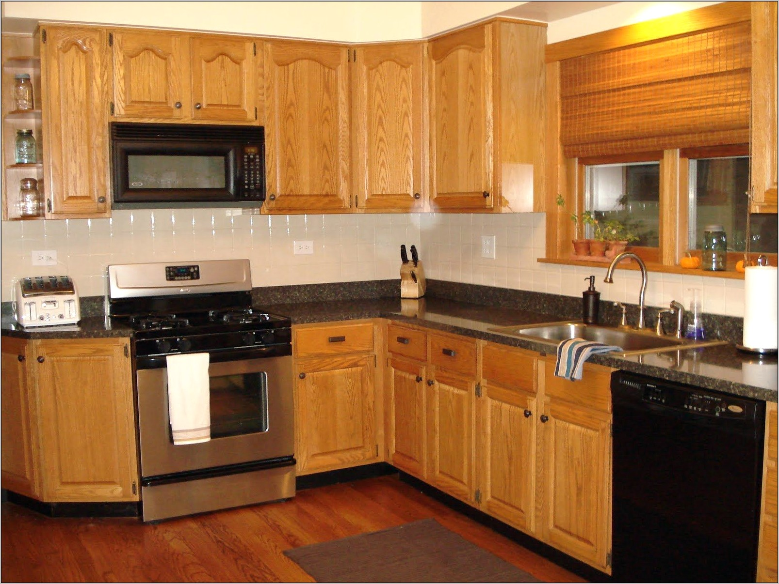 Kitchen Decorating Ideas Oak Cabinets