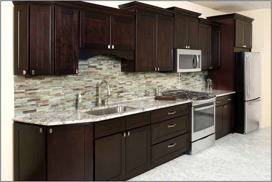 Kitchen Decorating With Espresso Cabinets
