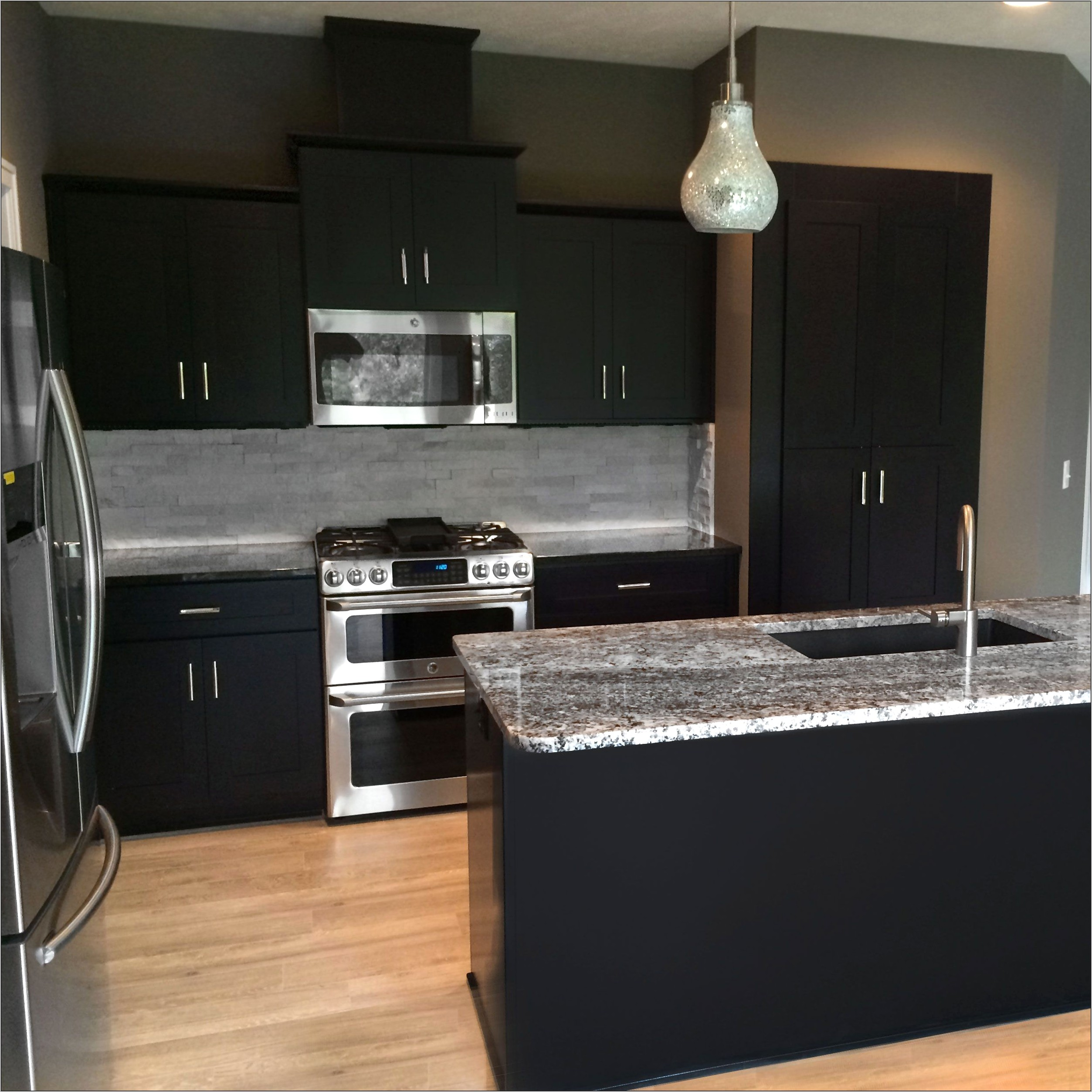 Kitchen Decorating With Expresso Cabinets