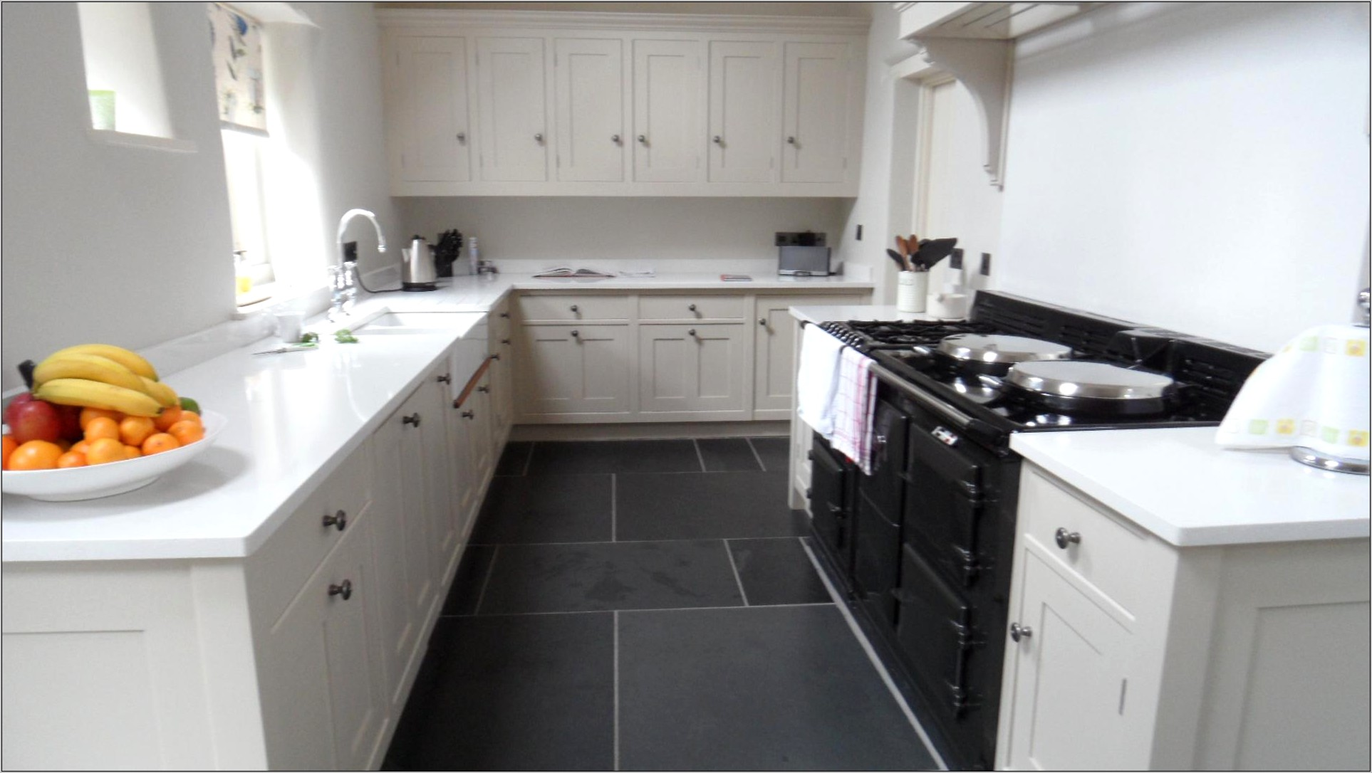 Kitchen Decoration With Tiles