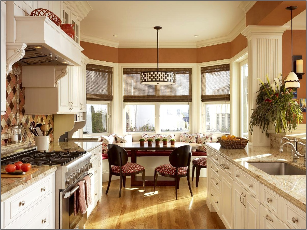 Kitchen Eat In Area Decorating Ideas