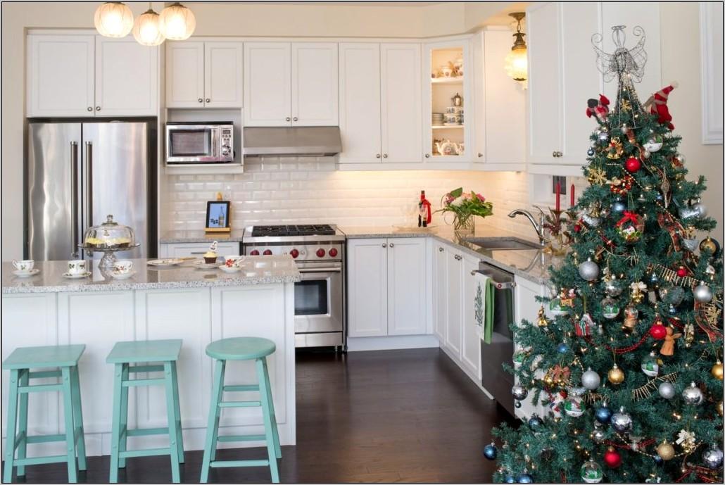 Kitchen Holiday Decorating Ideas