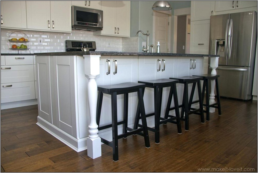 Kitchen Island With Decorative Columns