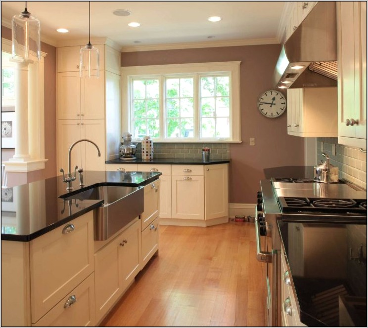 Kitchen Island With Sink Decor