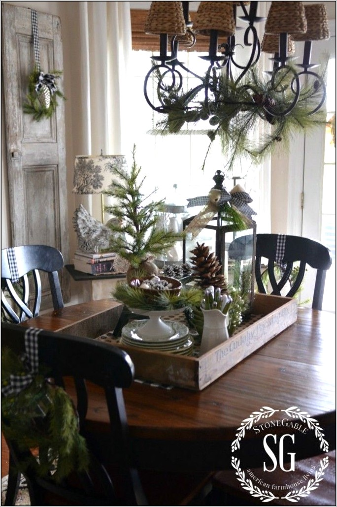 Kitchen Table Christmas Decorating Ideas