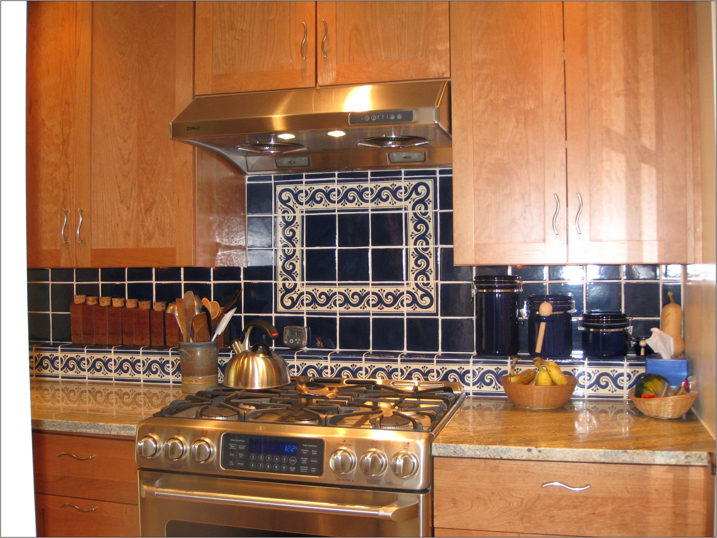 Kitchens Decorated With Mexican Tiles