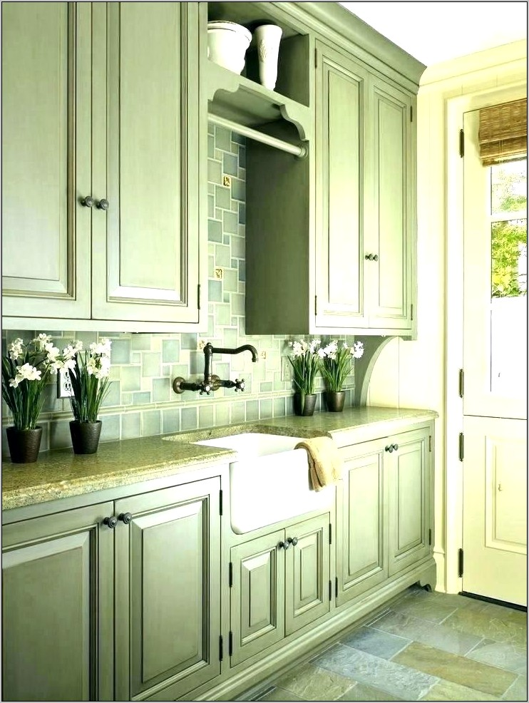 Kitchens With Green And White Decor
