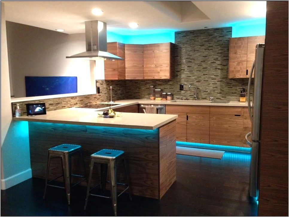 Led Decoration For Above Kitchen Cabinets