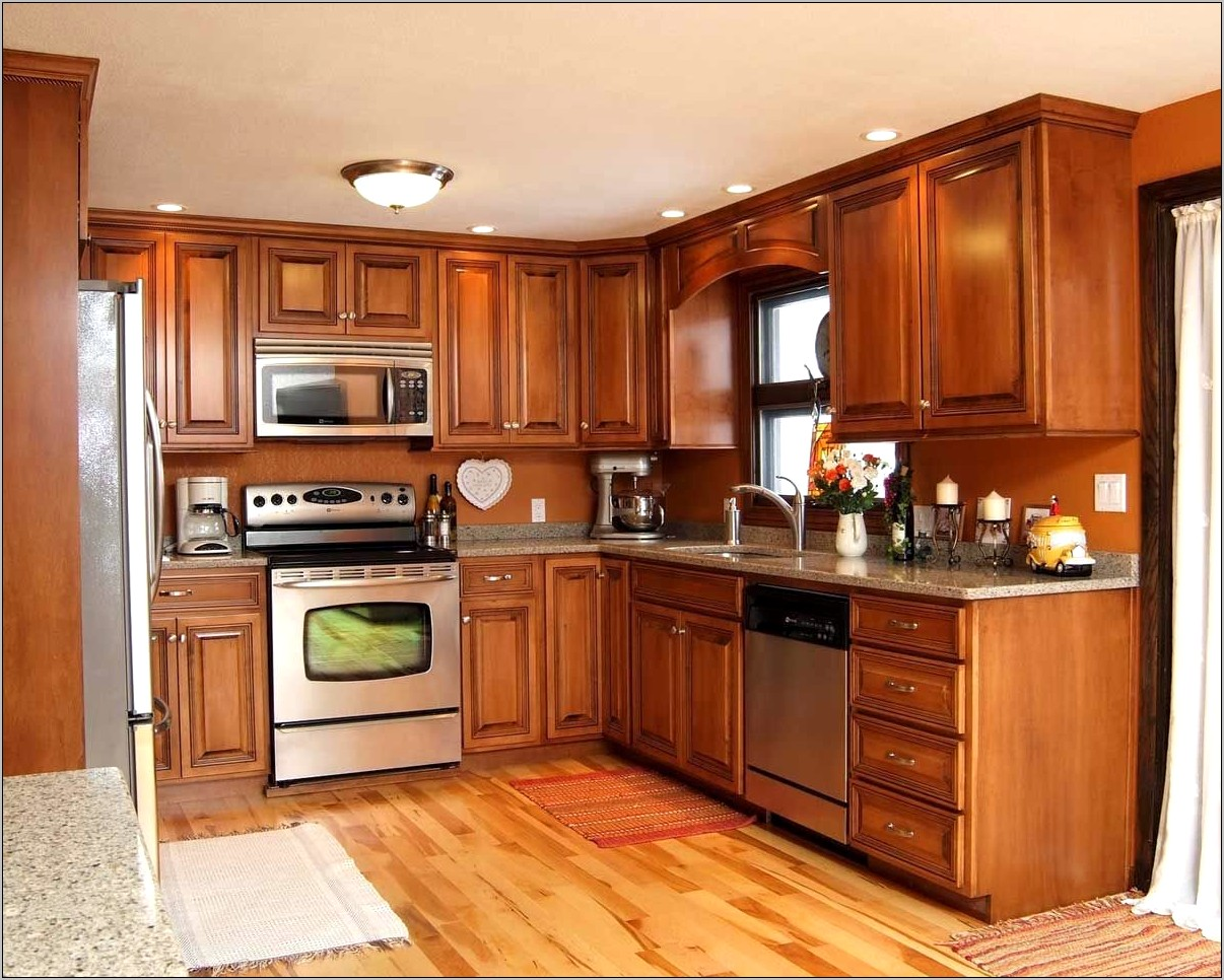 Maple Cabinet Kitchen Decorating Ideas