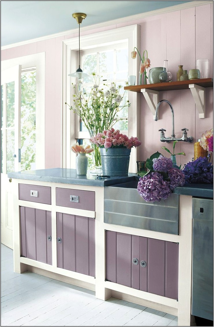 Mauve Kitchen Counter Decorating