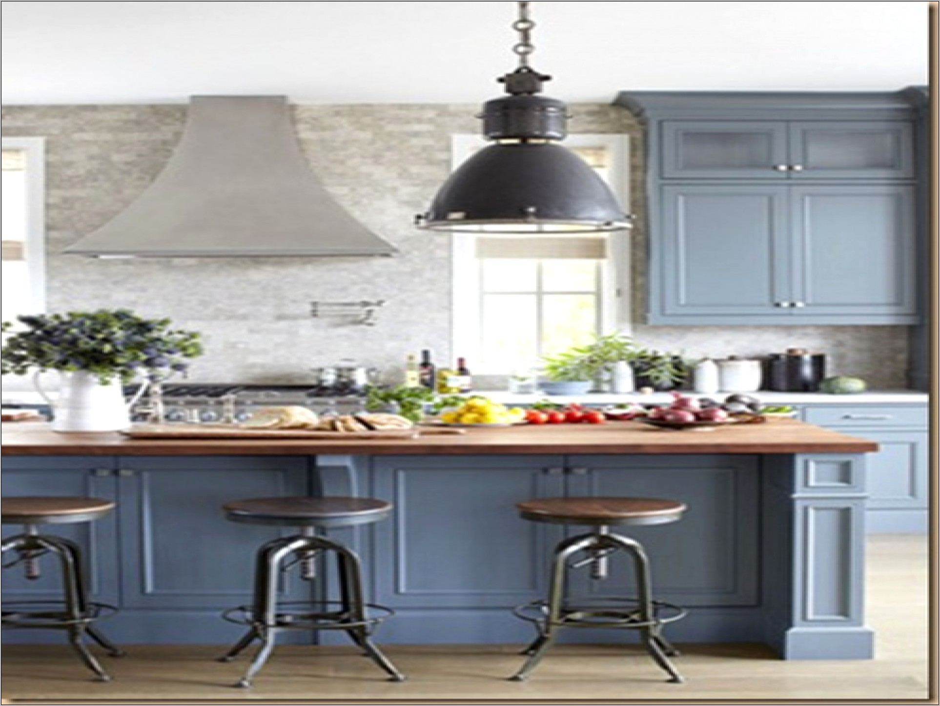 Navy Blue Kitchen Decor