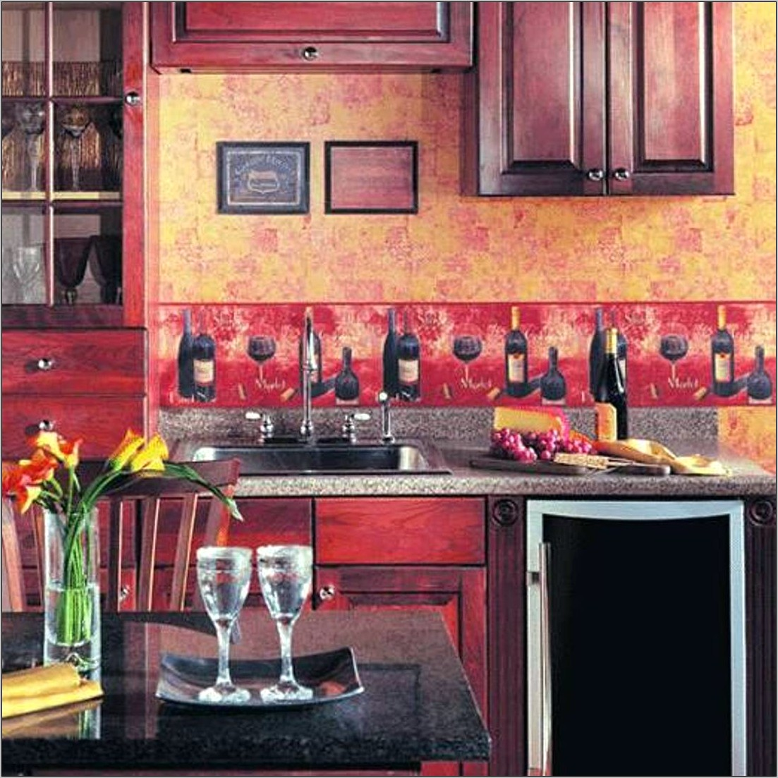 Pictures Of Kitchens Decorated With Borders
