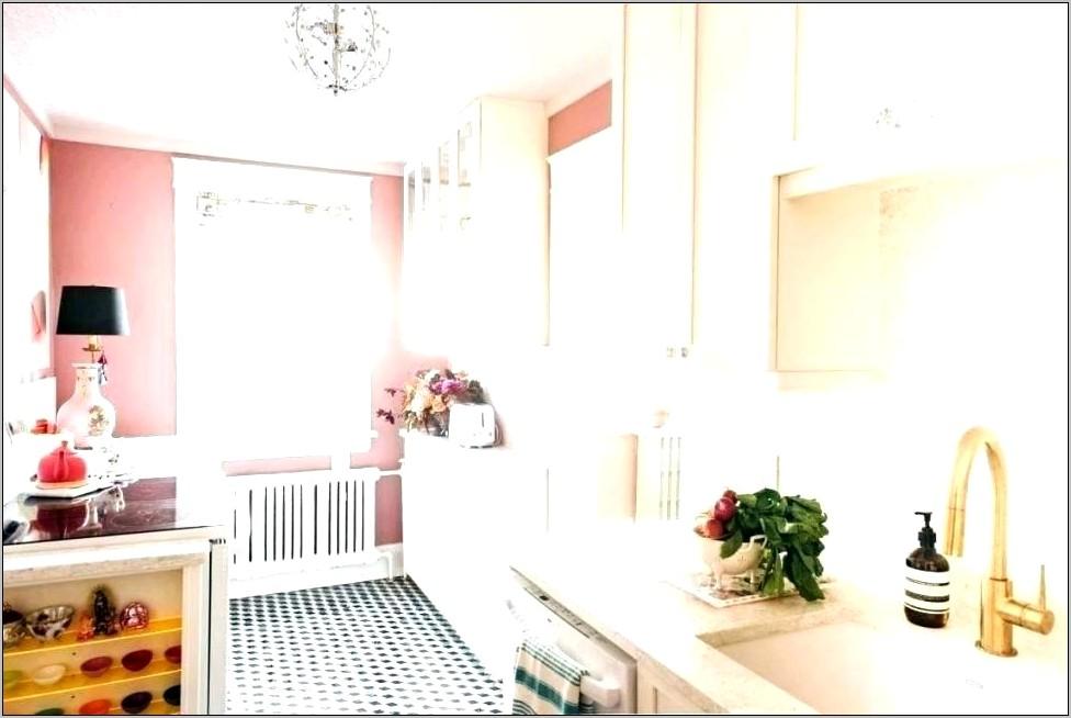 Pink Vintage Kitchen Decor