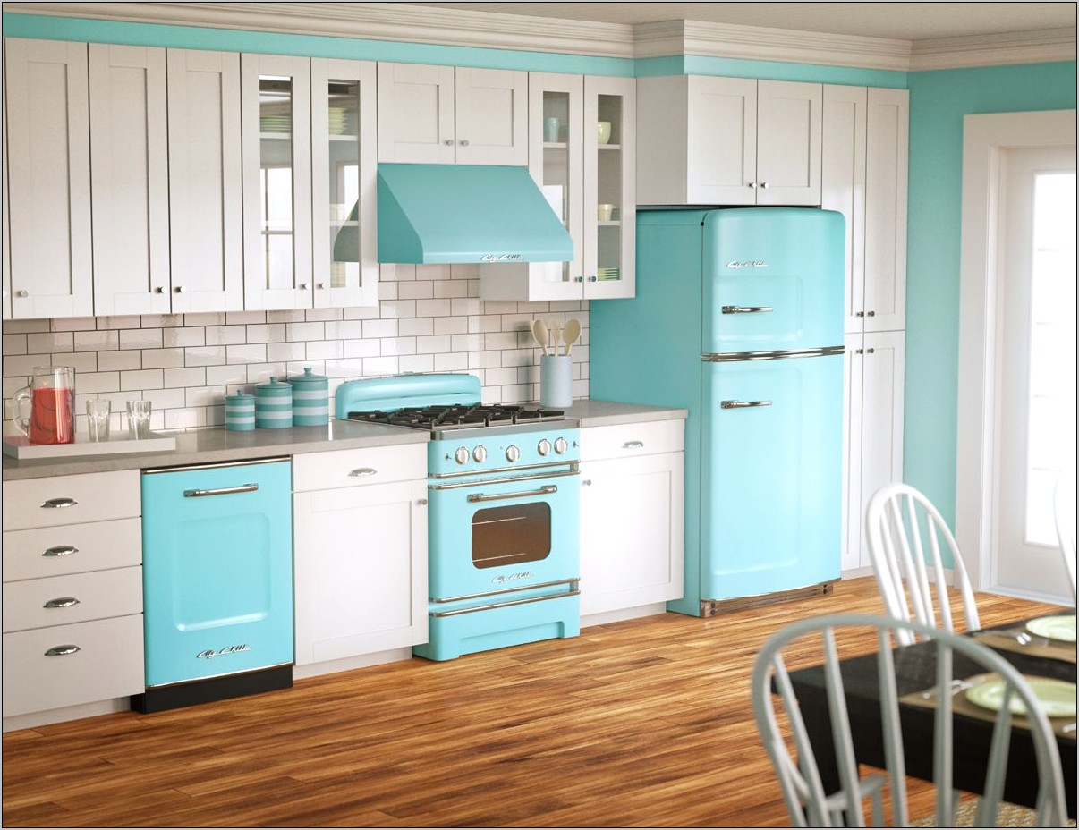 Retro Modern Kitchen Decor