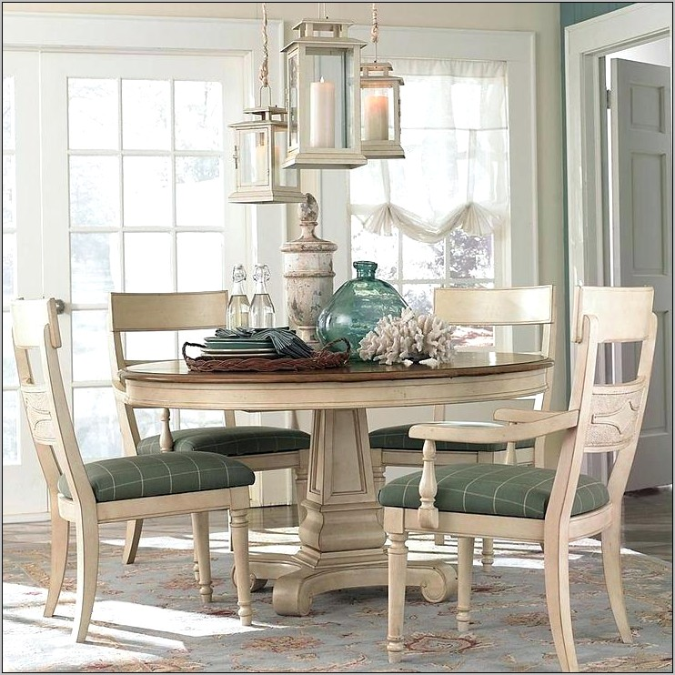 Round Kitchen Table Decorations