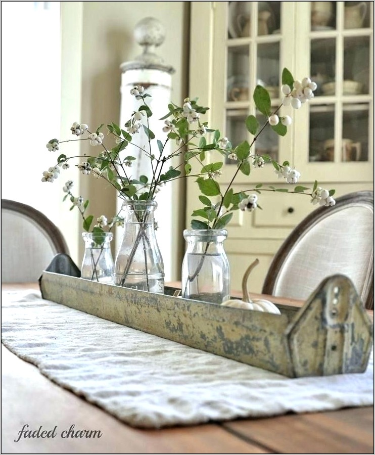 Rustic Farmhouse Kitchen Table Decor