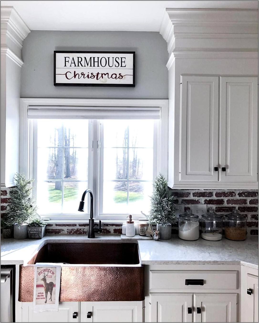 Shabby Chic Kitchen Decor With Copper