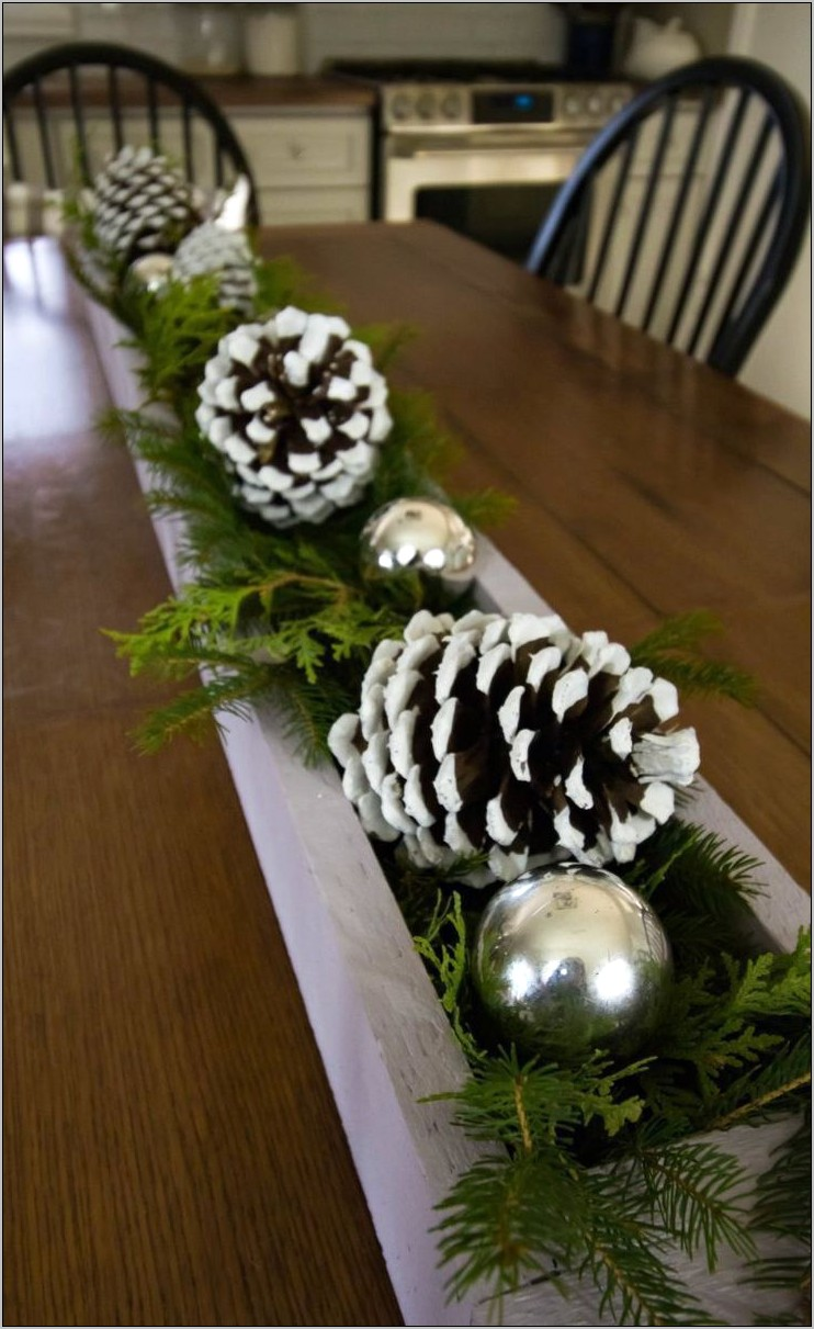 Simple Christmas Decoration For The Kitchen