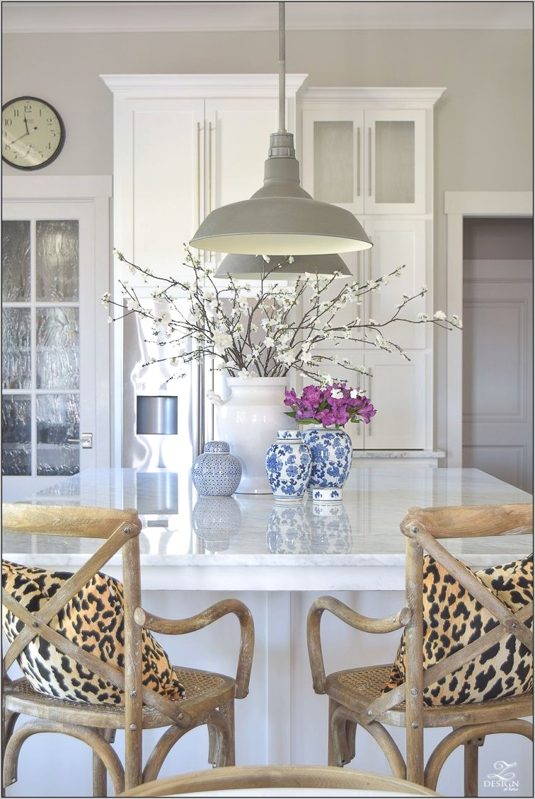 Simple Kitchen Island Decor