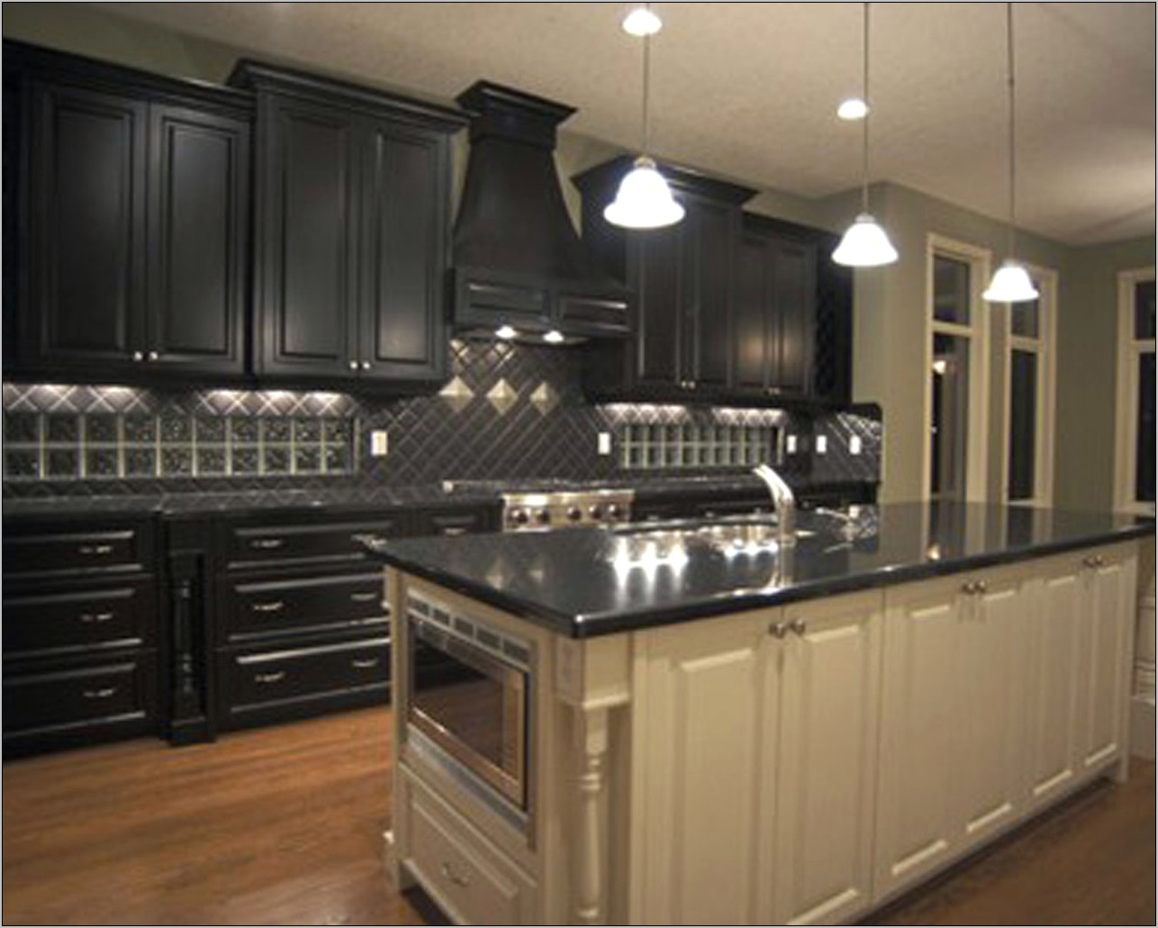 Small Dark Kitchen Decorating Ideas