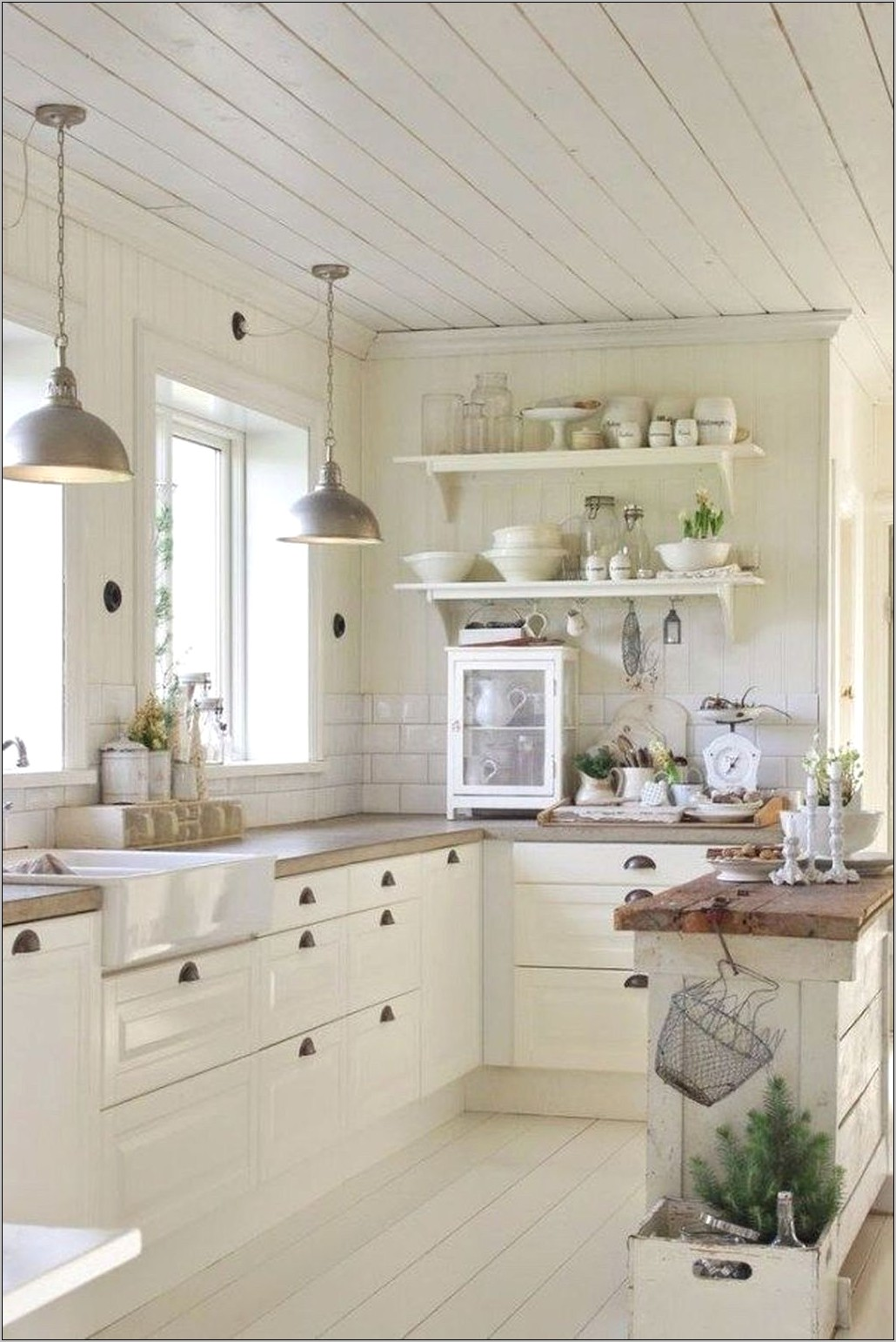 Small Farmhouse Kitchen Decor Ideas