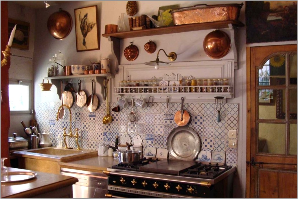 Small French Kitchen Decor
