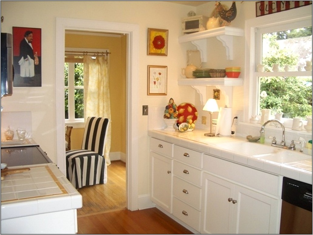 Small Kitchen Decorating Ideas 2017