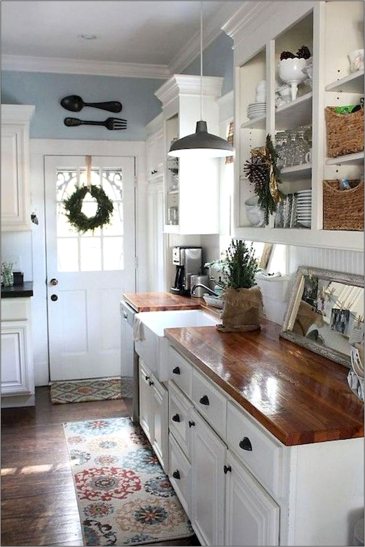 Small Kitchen Farmhouse Decor
