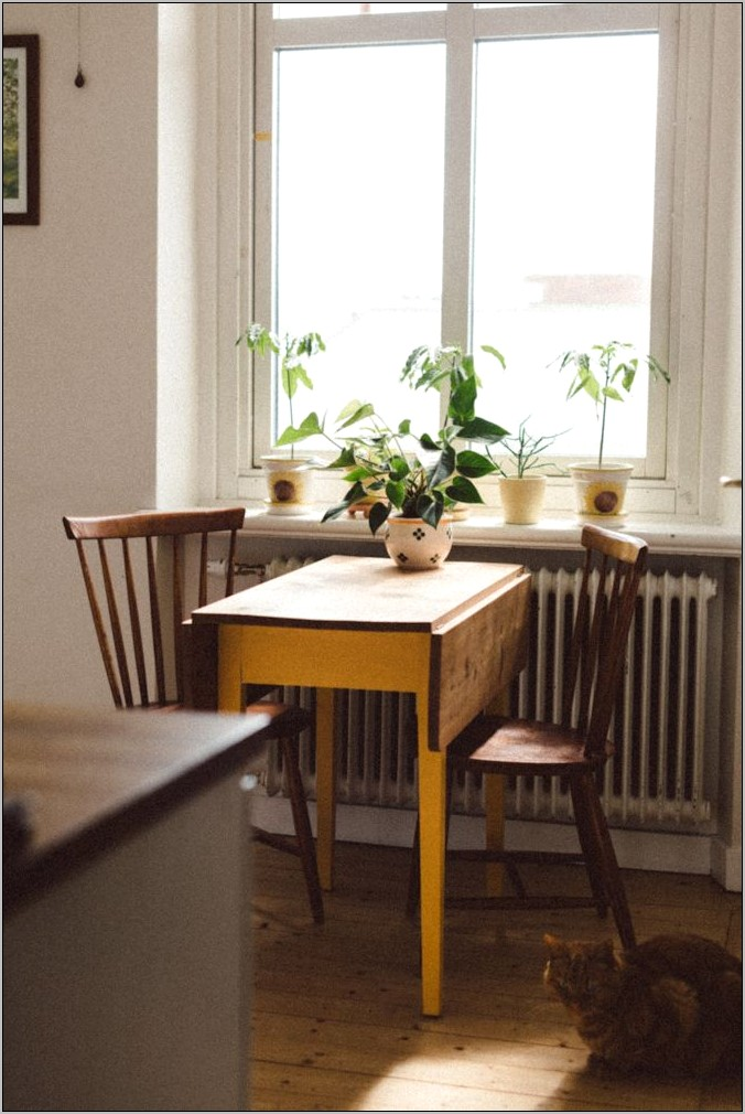 Small Kitchen Table Decor