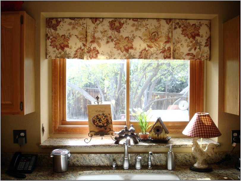 Small Kitchen Window Decor Ideas