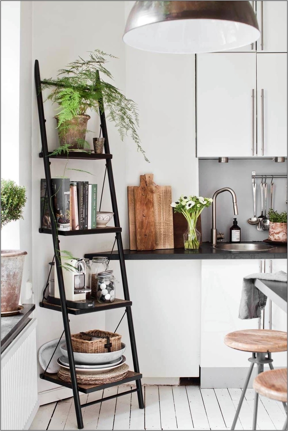 Small Ladders For Kitchen Decoration