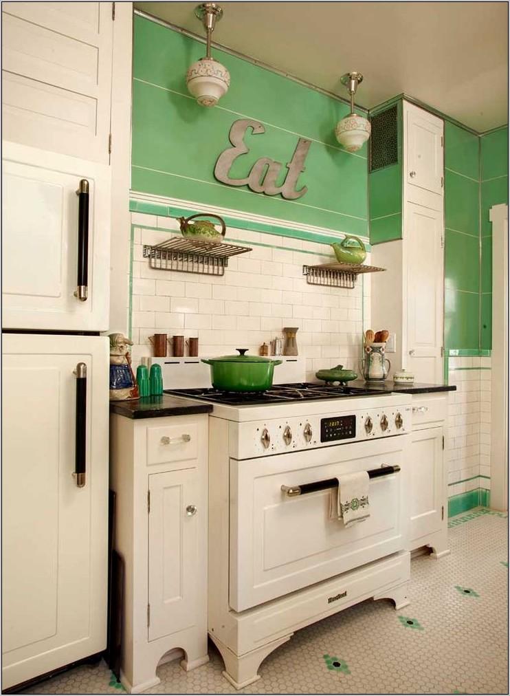 Small Retro Kitchen Decorating Ideas
