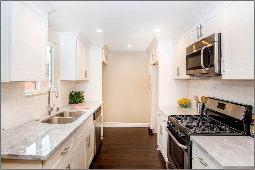 Tarek And Christina Home Decor Kitchen Stools