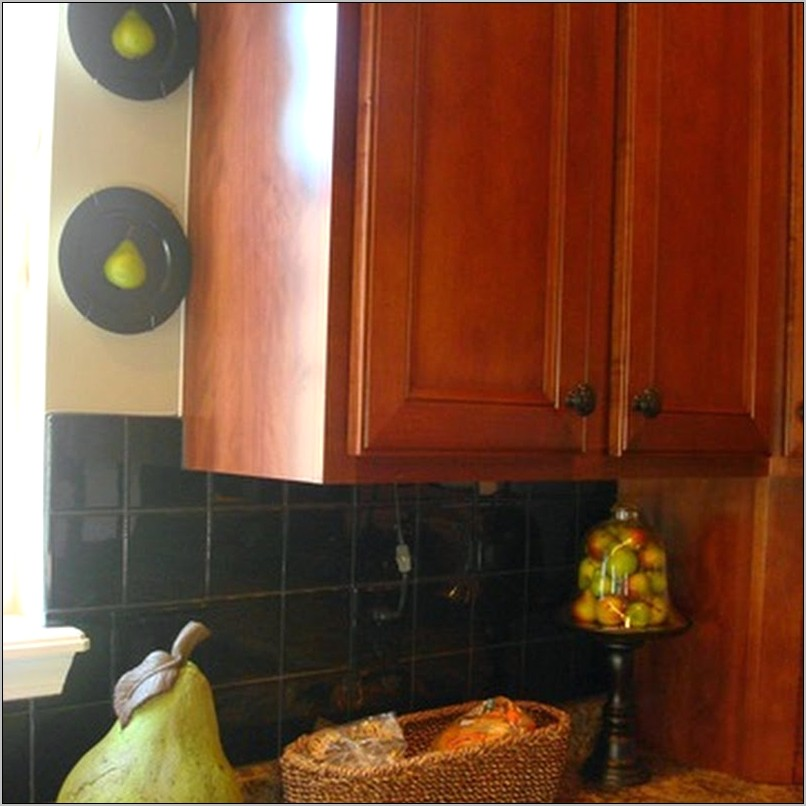 The Decor In The Kitchen Kabinet