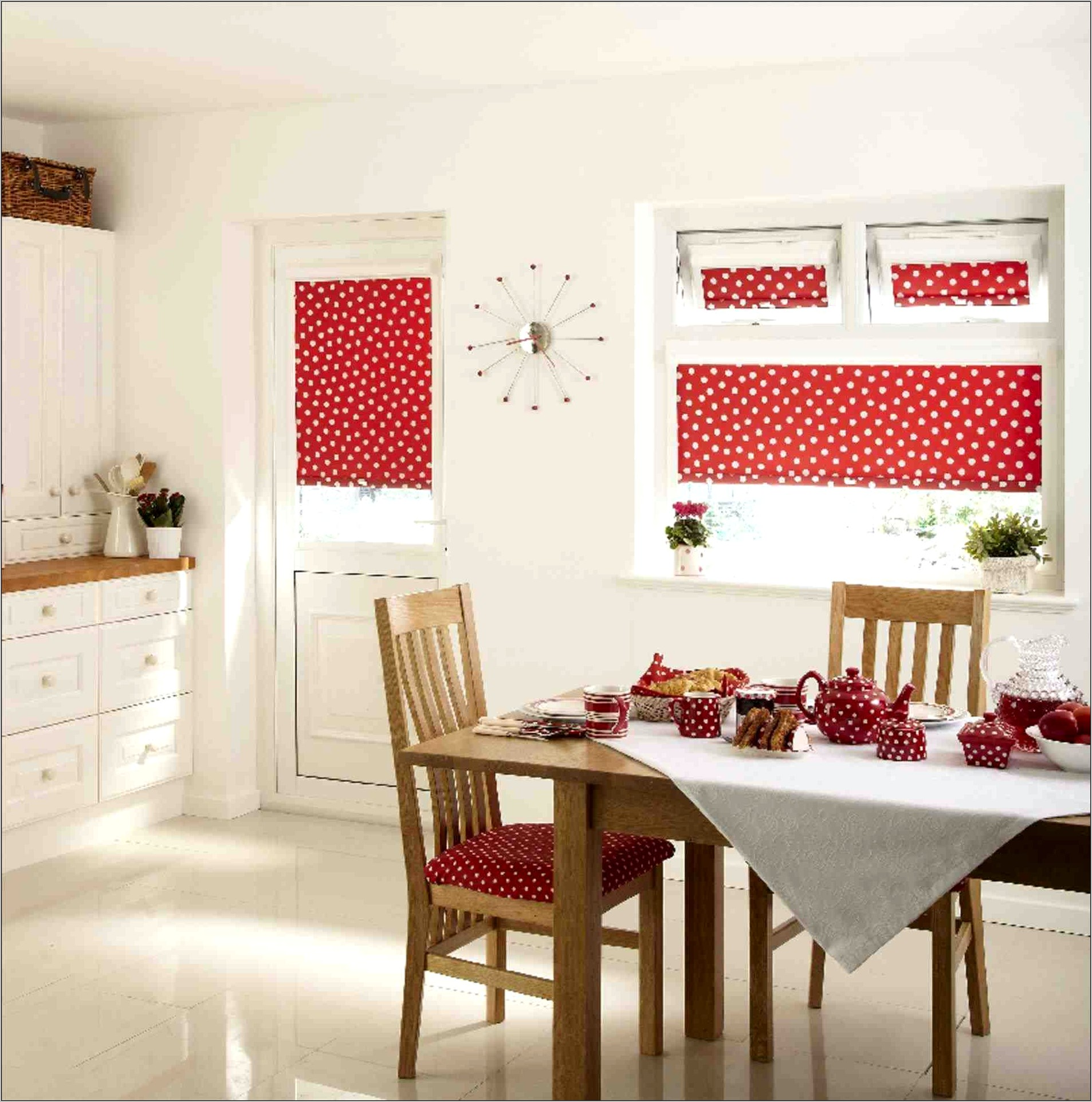 Traditional Kitchen Wall Decor