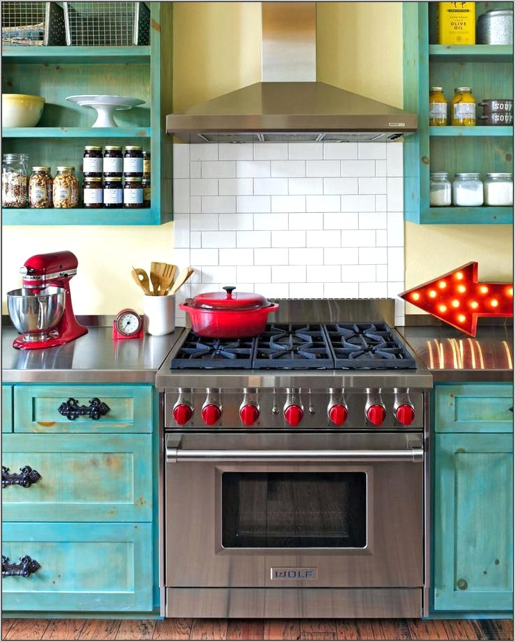 Turquoise Vintage Kitchen Decor