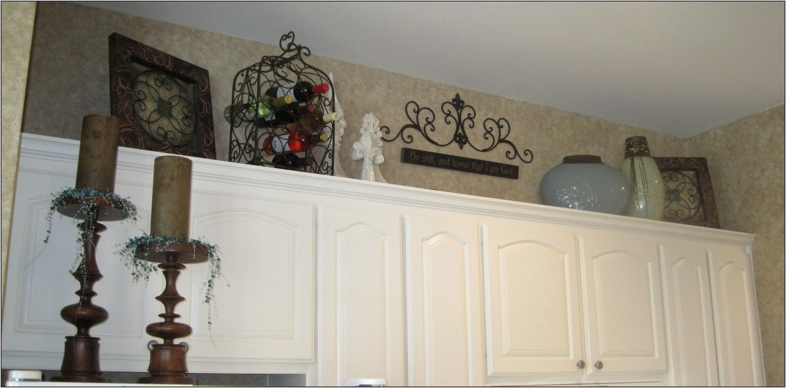 Unique Decorating Ideas Above Kitchen Cabinets