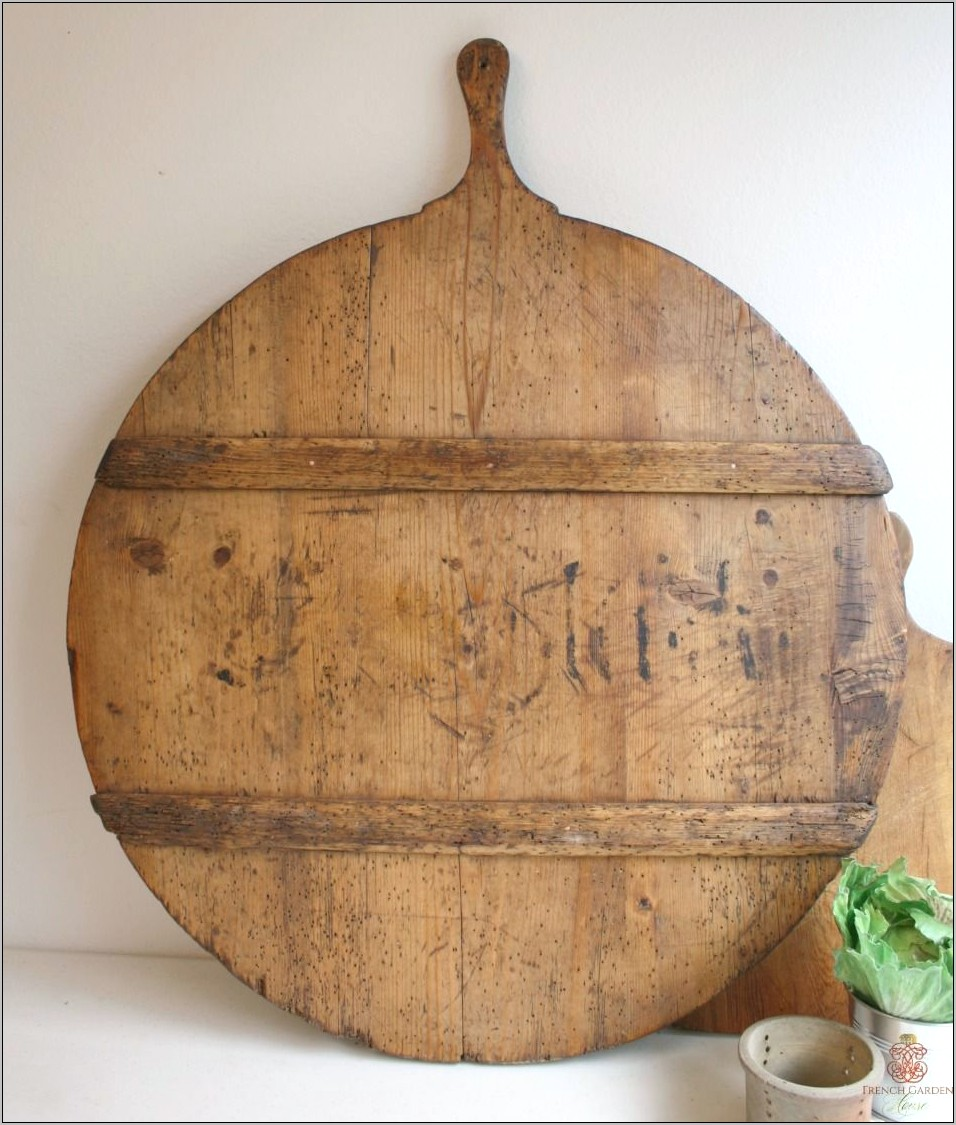 Using Antique Breadboards In Kitchen Decor