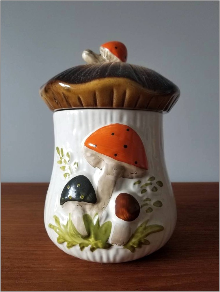 Vintage Mushroom Kitchen Decor