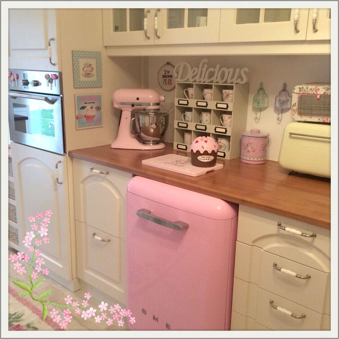 Vintage Pink Kitchen Decor