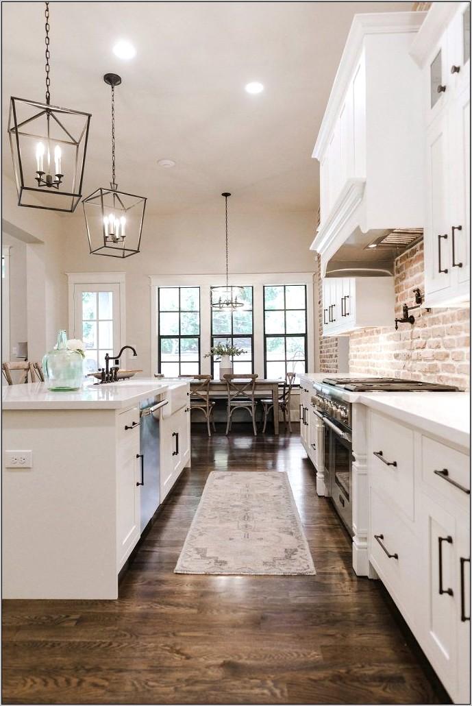 White Kitchen Farmhouse Decor