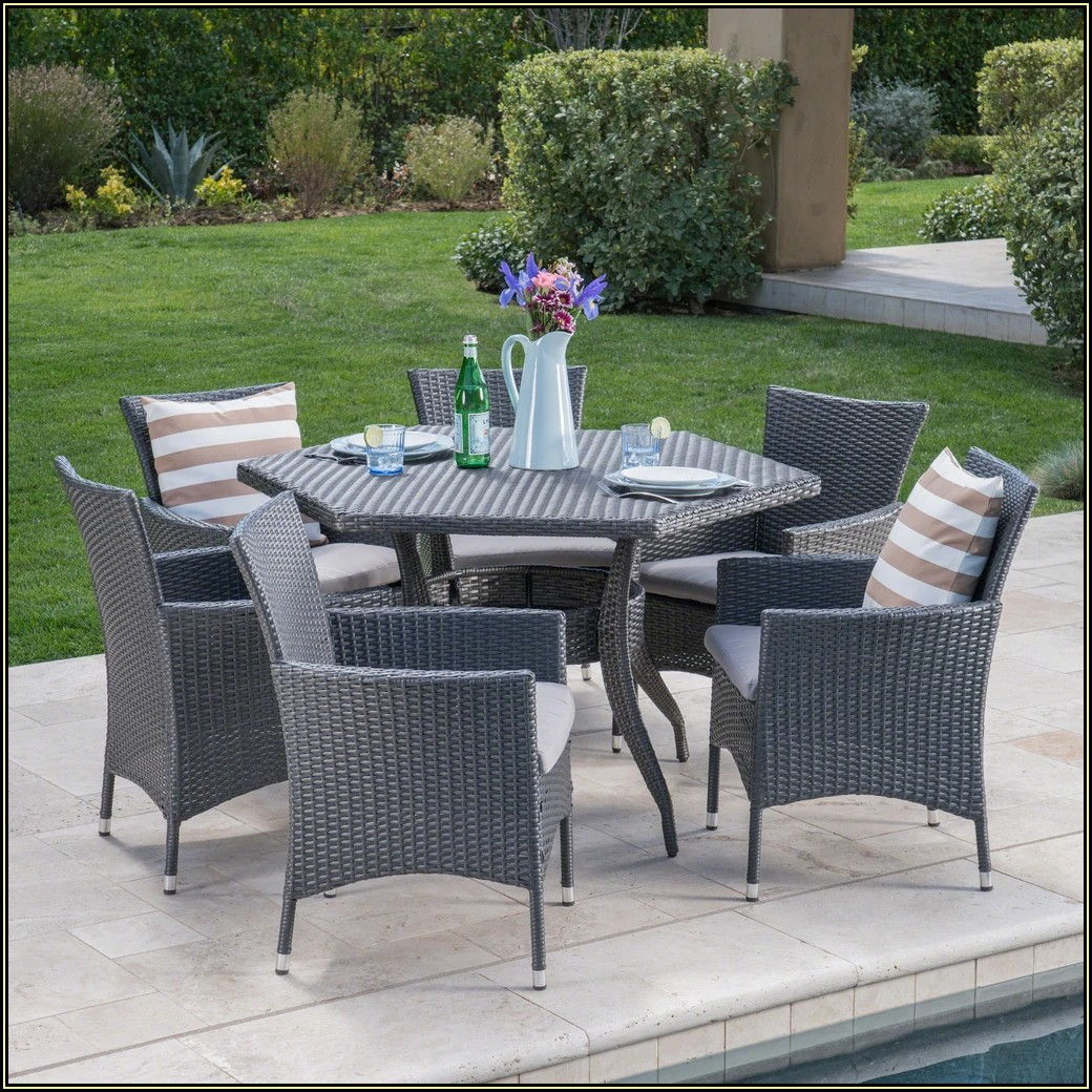 7 Piece Wicker Patio Set