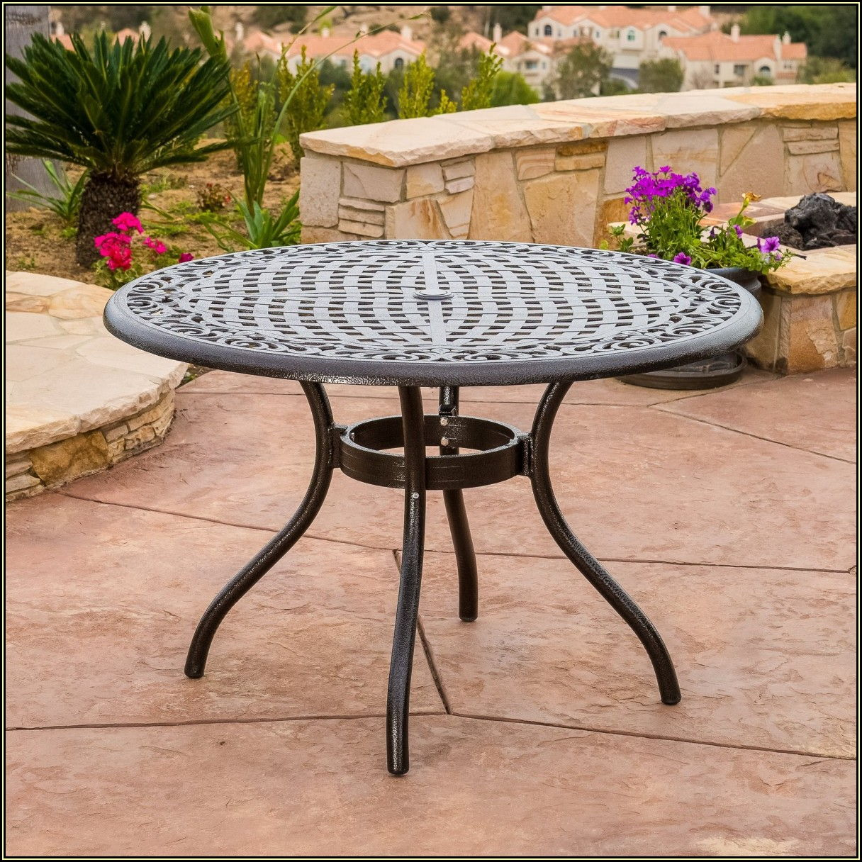 Round Patio Dining Table Set