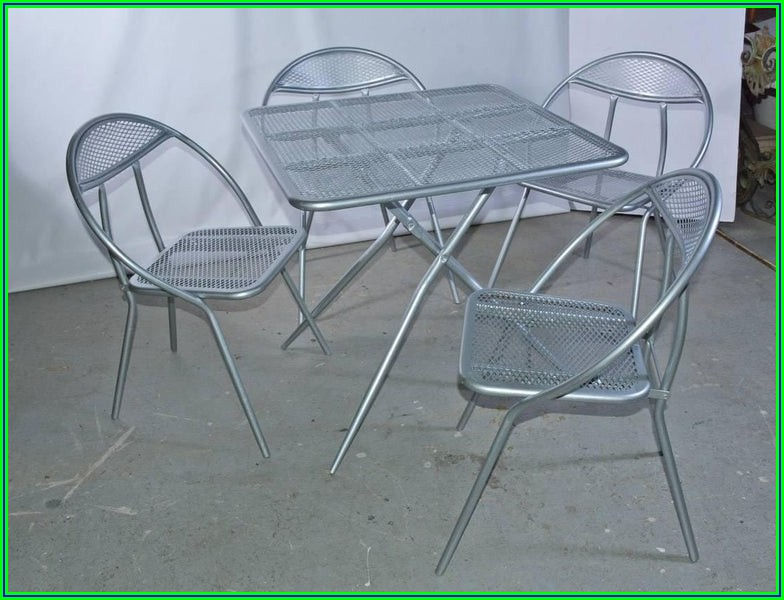 32 Metal Mesh Folding Patio Table Threshold