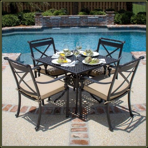 4 Person Patio Dining Set With Umbrella