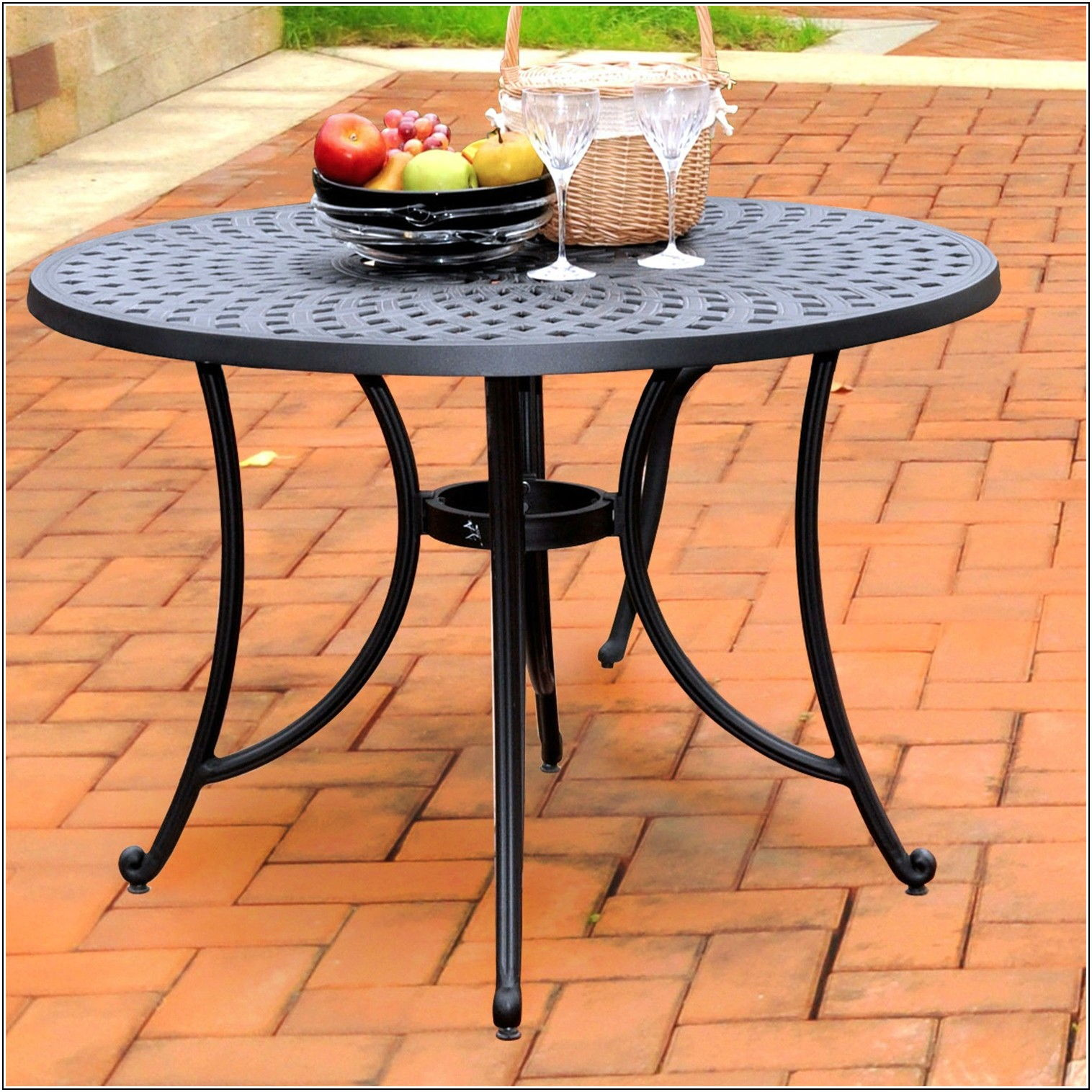 42 Round Patio Table