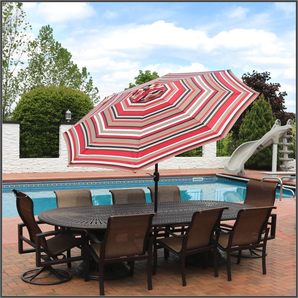 9 Foot Striped Patio Umbrella