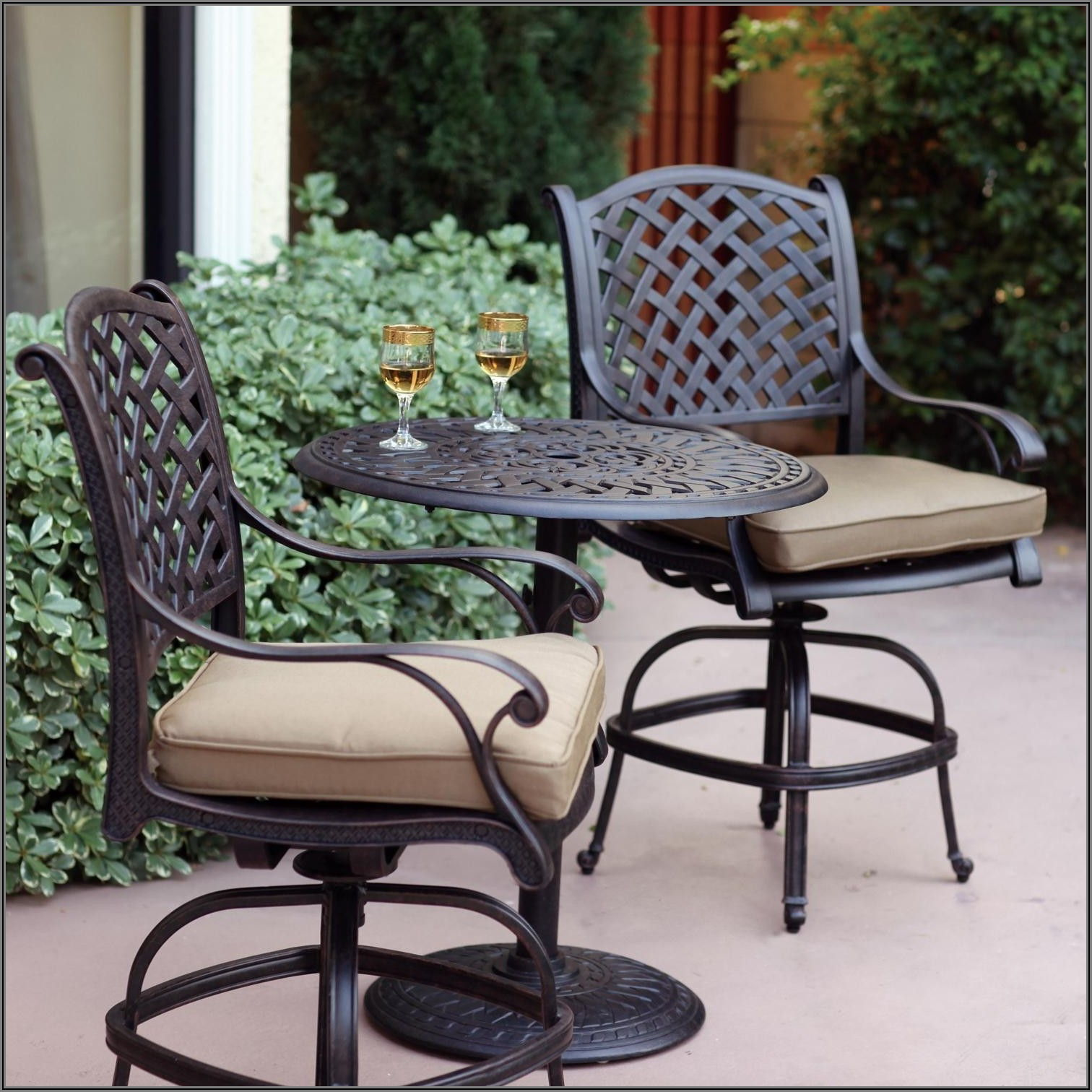Bar Height Patio Sets With Umbrella Hole