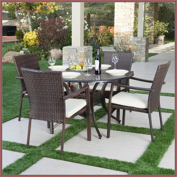 Christopher Knight Patio Dining Set
